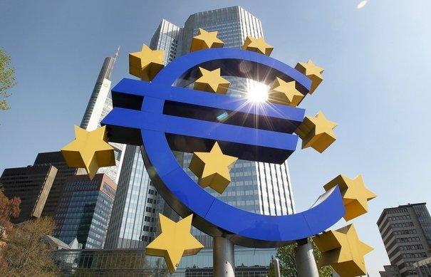 Euro, target inflazione sempre più lontani
